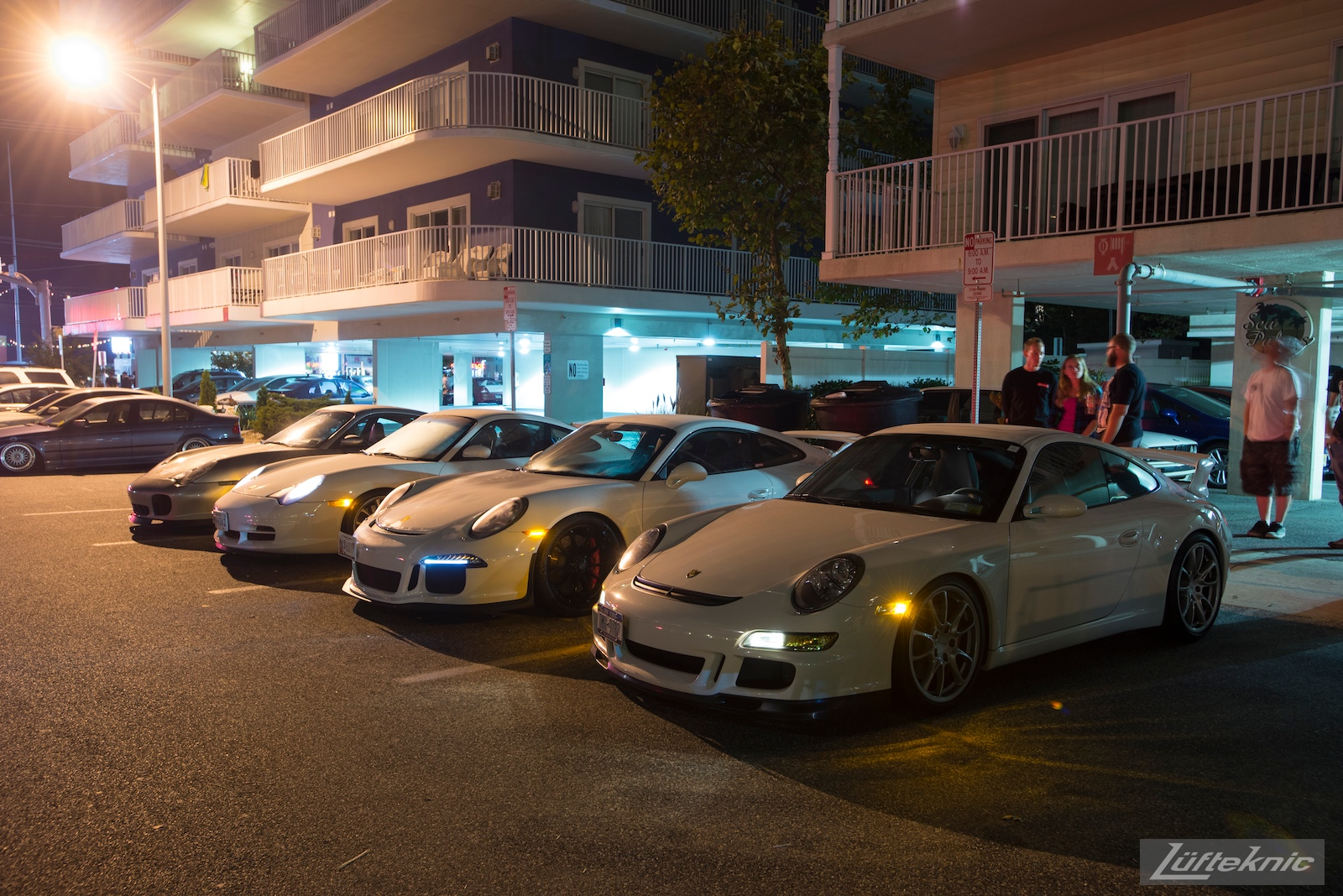 Lüfteknic Porsche 991 GT3 line up at h2oi at night