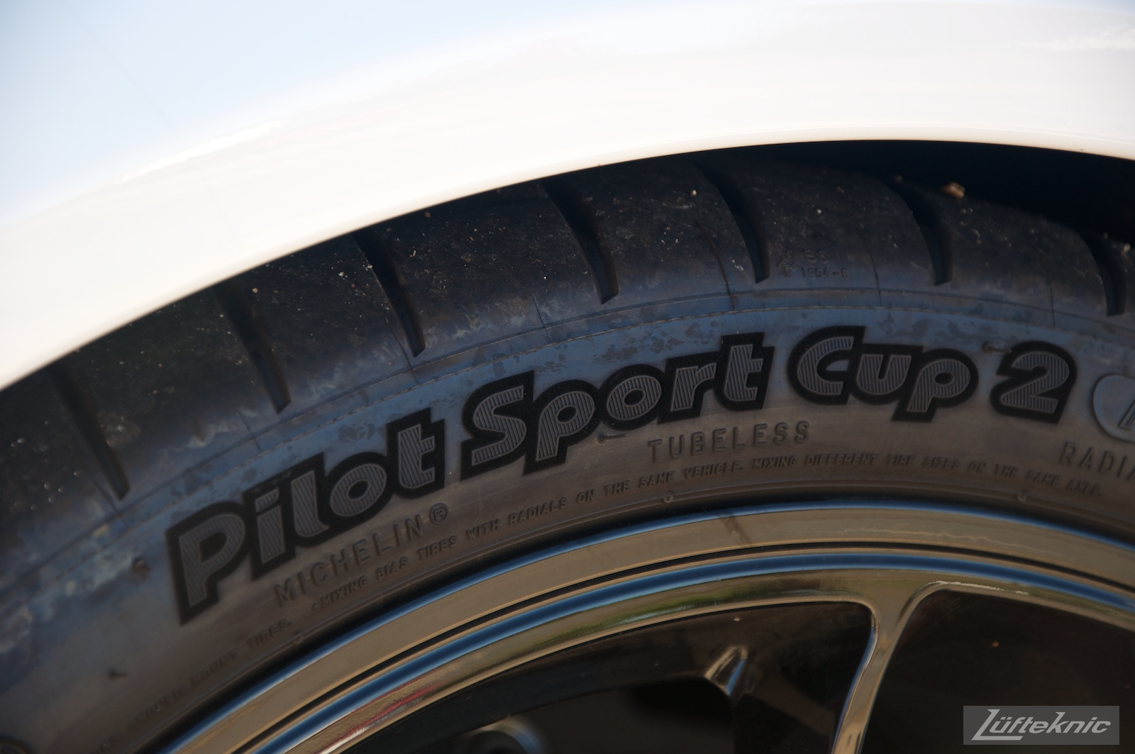 Suede touch sidewall Michelin Pilot Sport Cup 2 tires on the Lüfteknic Porsche 991 GT3