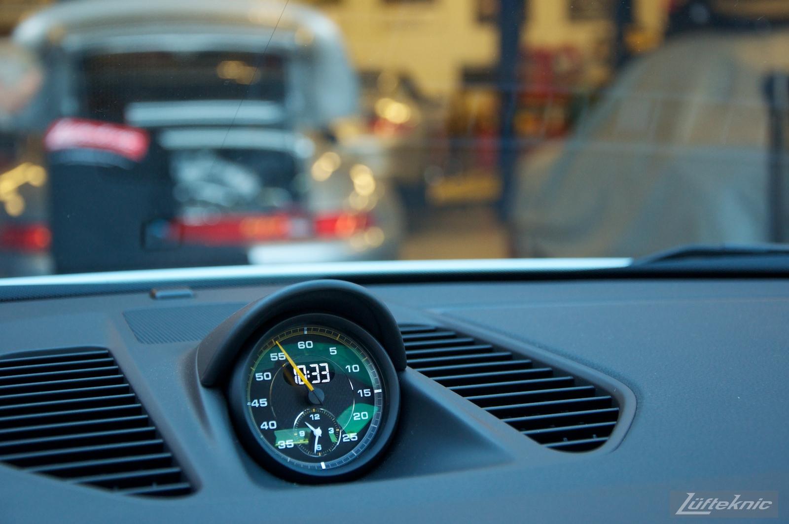 Sport Chrono clock and dash display on the Lüfteknic Porsche 991 GT3