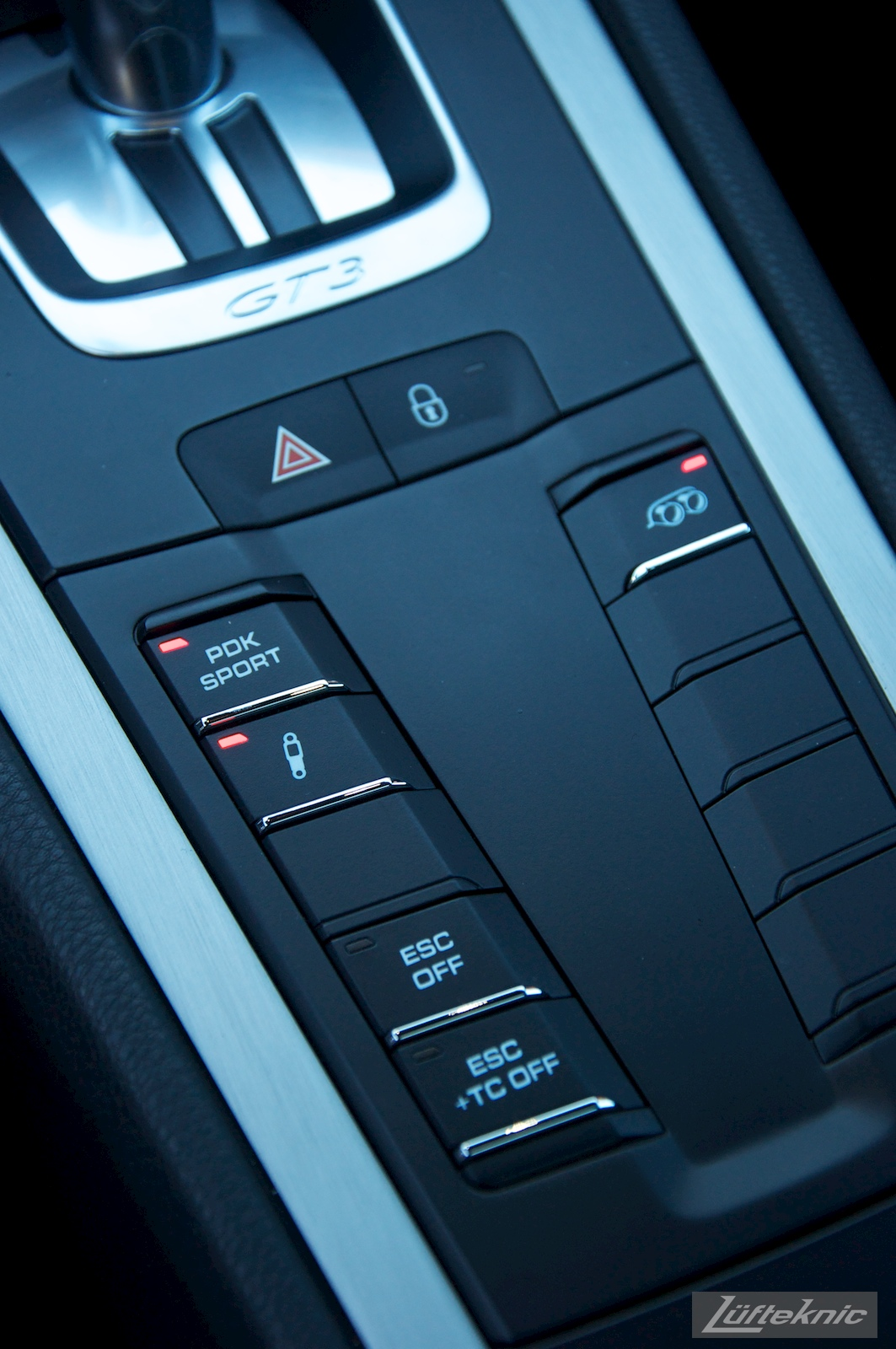 Push buttons for PASM, PSM, ESC and PDK on the Lüfteknic Porsche 991 GT3