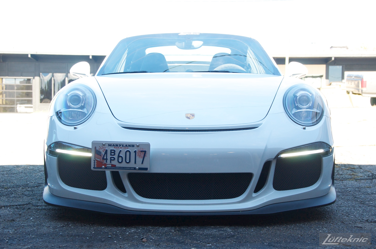 Low angle front profile of the Lüfteknic Porsche 991 GT3
