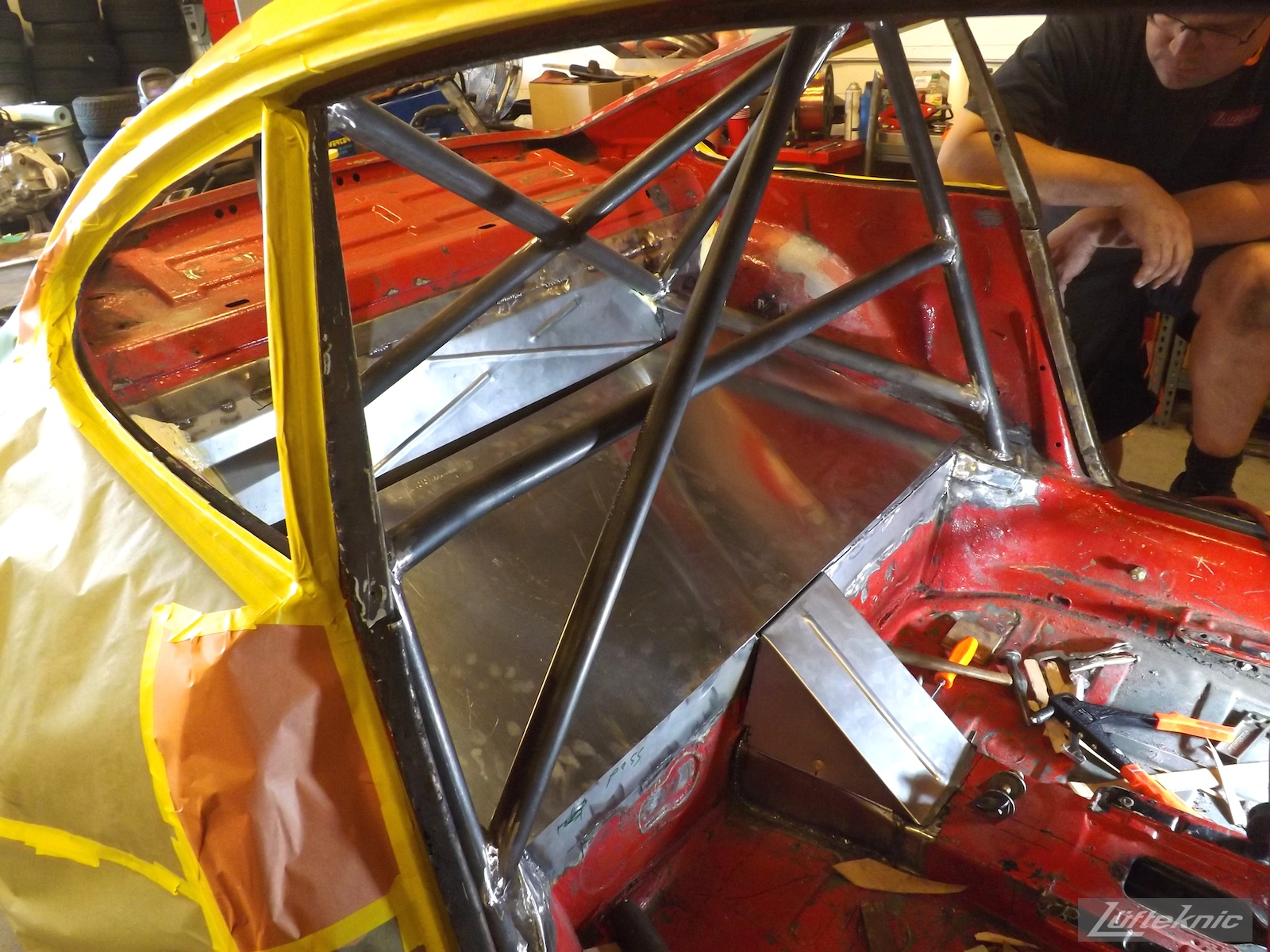 Raw roll cage and sheet metal inside projectstuka
