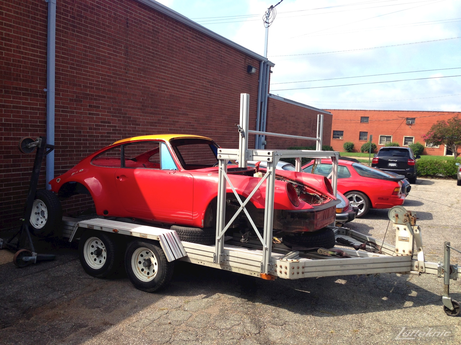 Lüfteknic #projectstuka Porsche 930 Turbo on a trailer