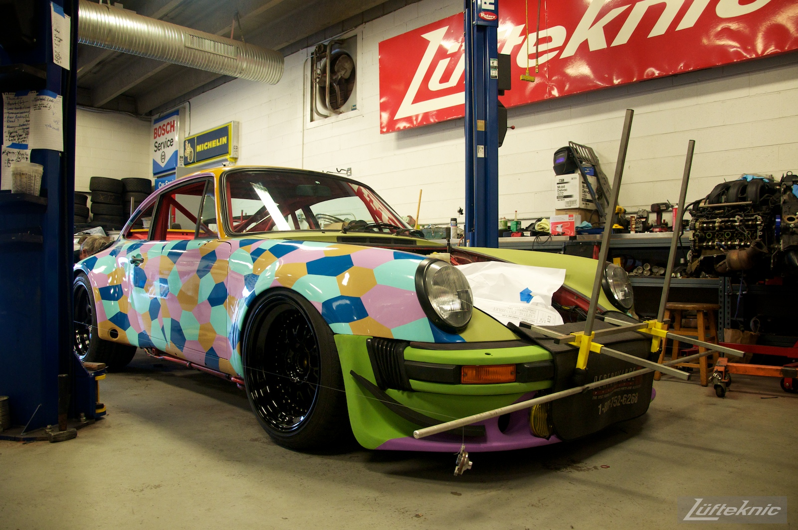 The Lüfteknic #projectstuka Porsche 930 Turbo on the ground with alignment strings