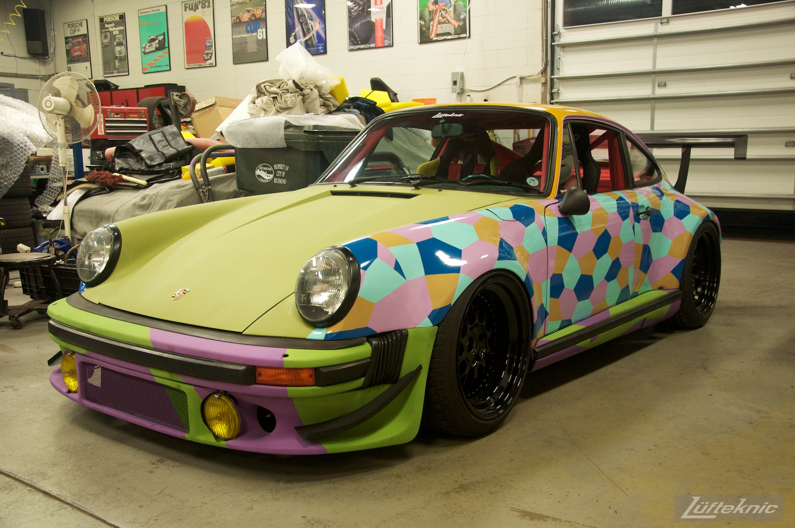 Lüfteknic #projectstuka Porsche 930 Turbo is complete, 4:30am.