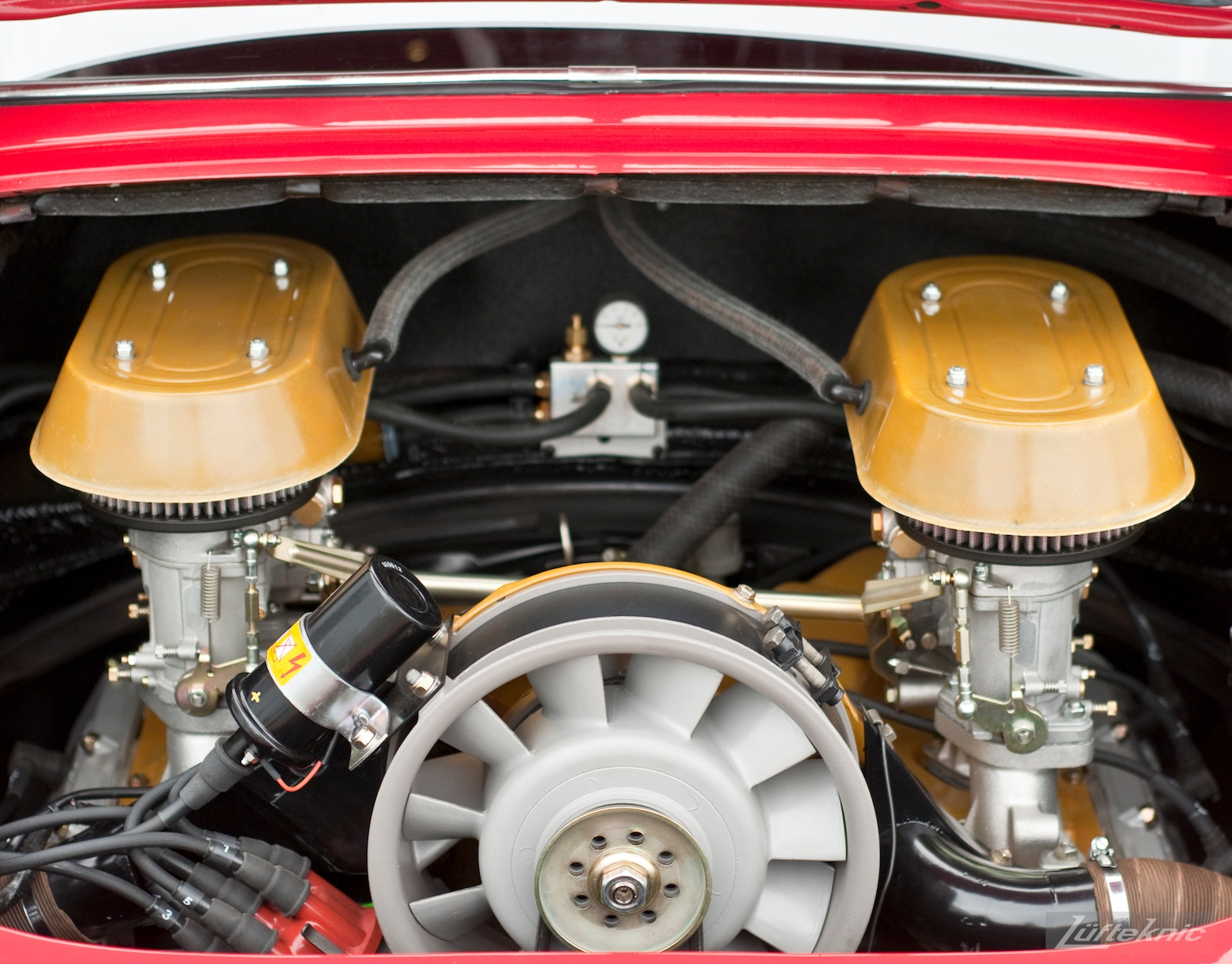 3.0 911SC engine backdated with period pieces and PMO carburetors.