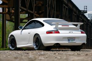 White 996 Porsche Gt3
