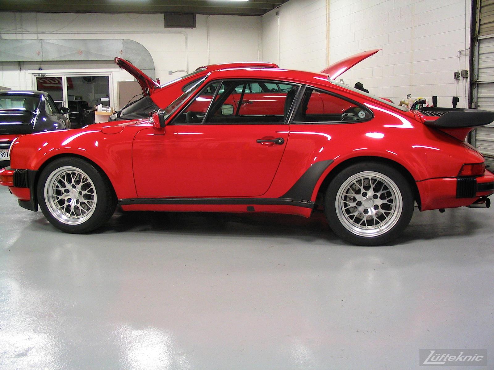 Porsche 930 Turbo on Fikse wheels in the Lufteknic shop.