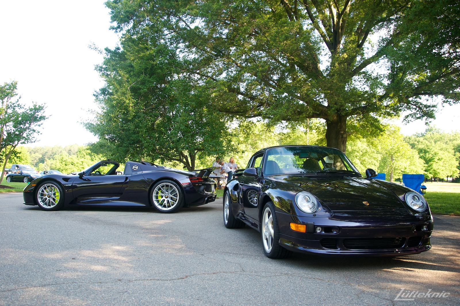 Richmond Porsche meet 2015 Viola Metallic 918 and 993.