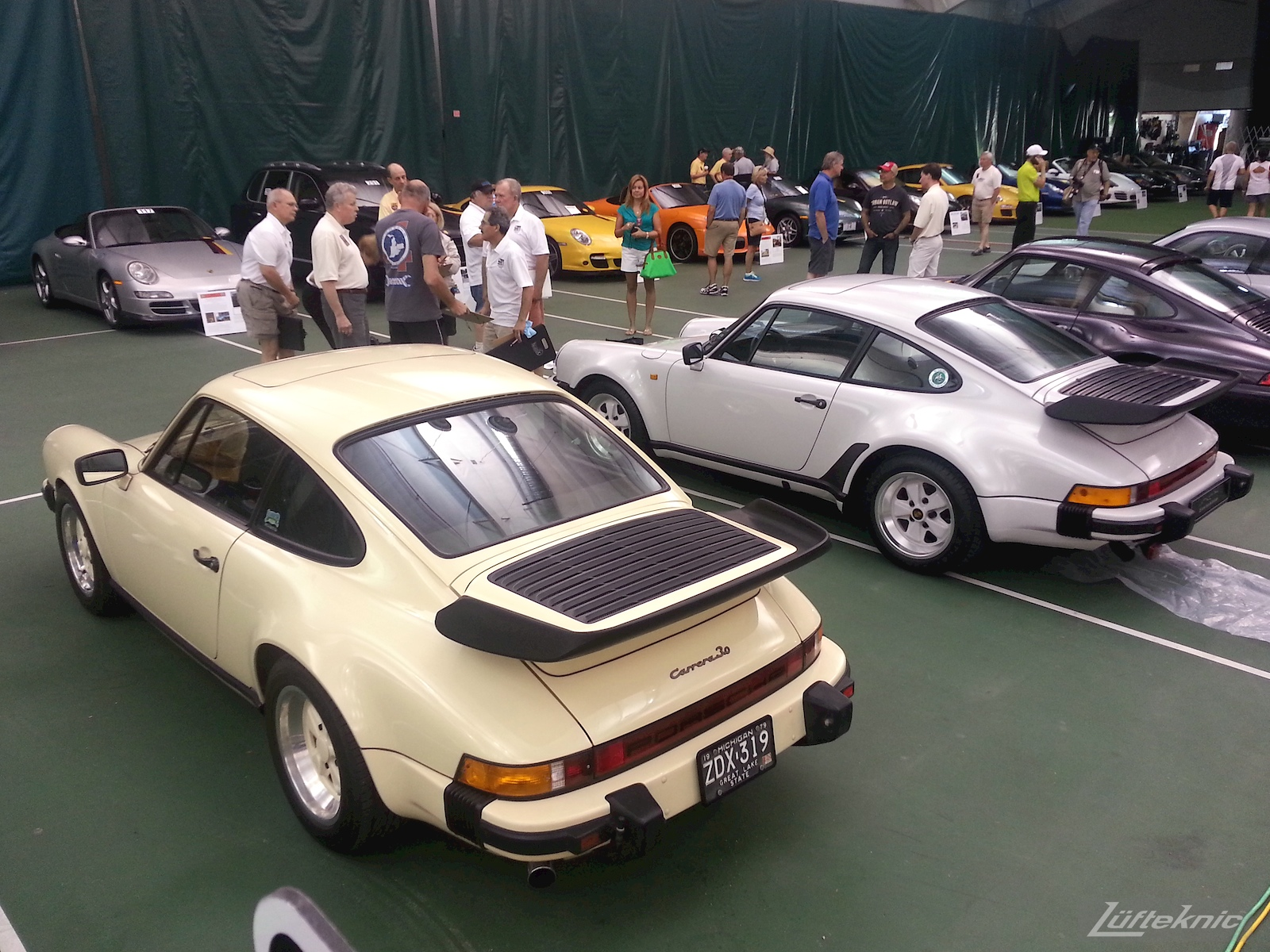 911 whale tails