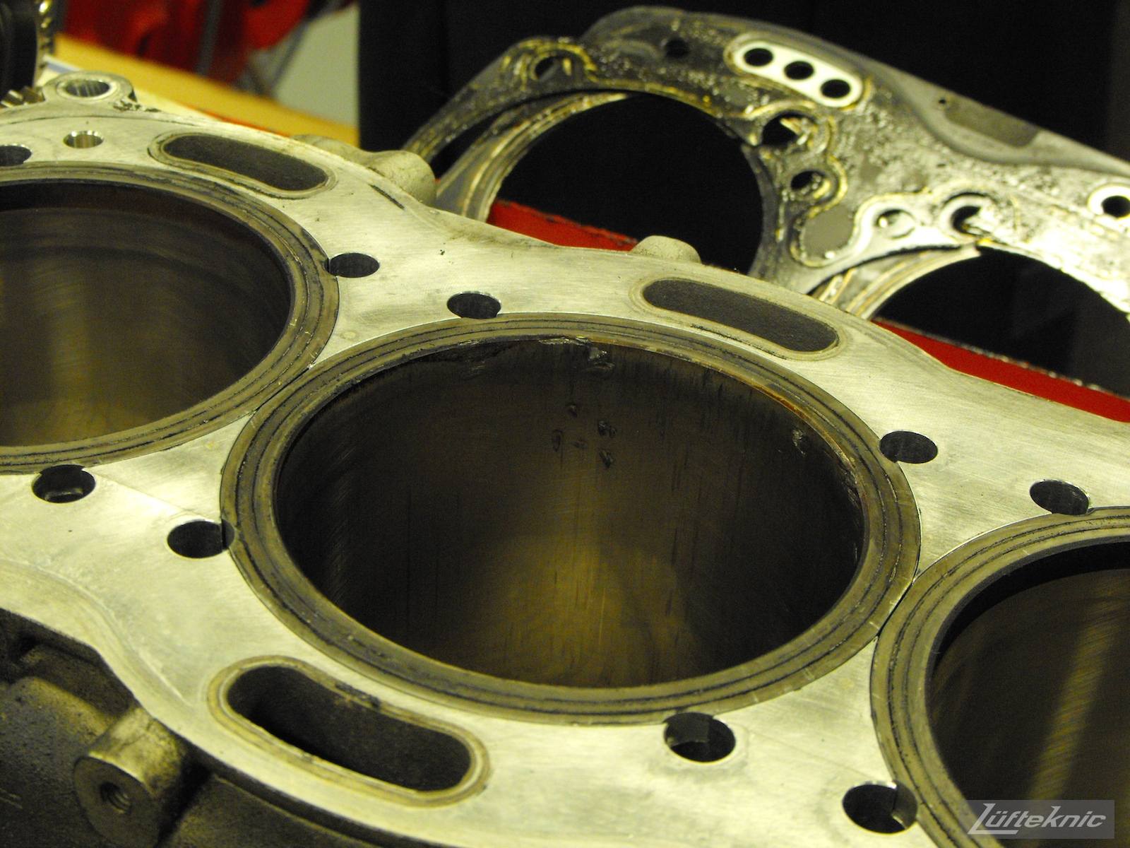 ZIP Racing Hazardous Sports Porsche 996 GT3 RS damaged cylinder