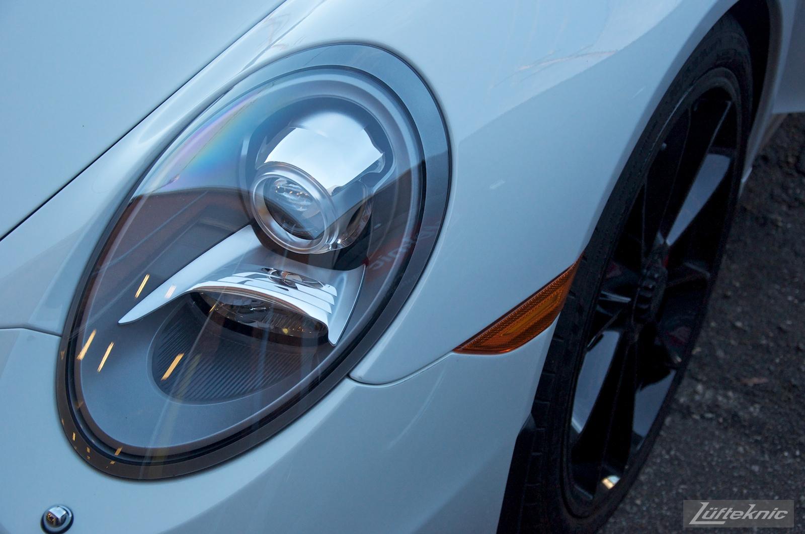 Detailed headlight shot of the Lüfteknic Porsche 991 GT3