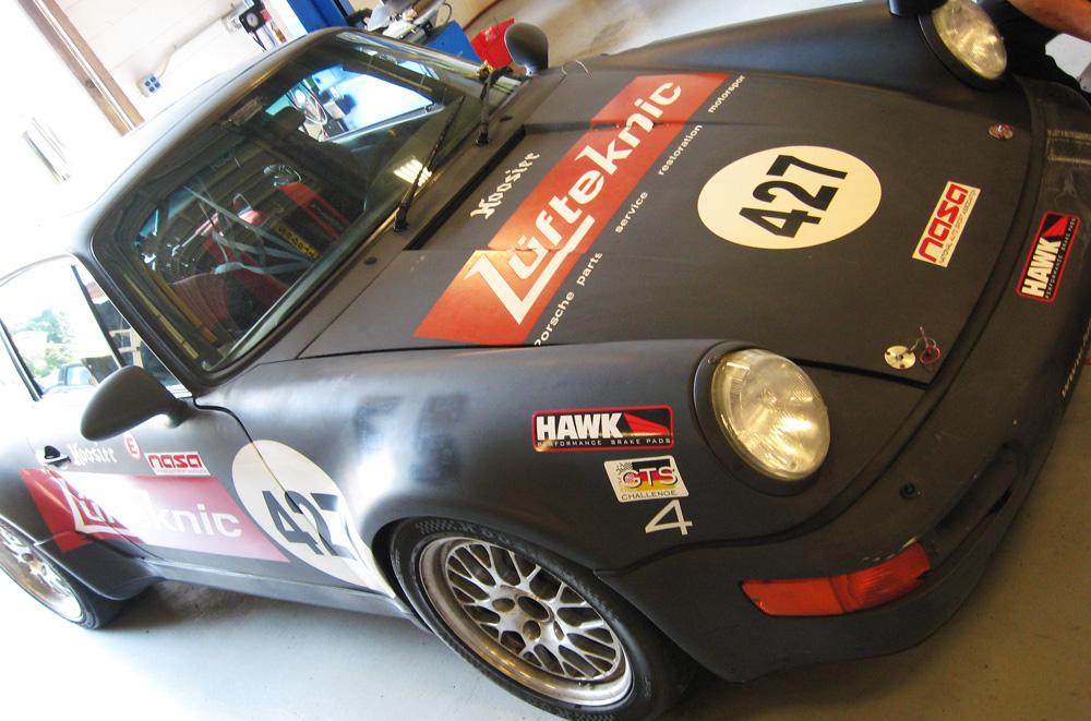 A Lüfteknic sponsored Porsche 911 Turbo race car.