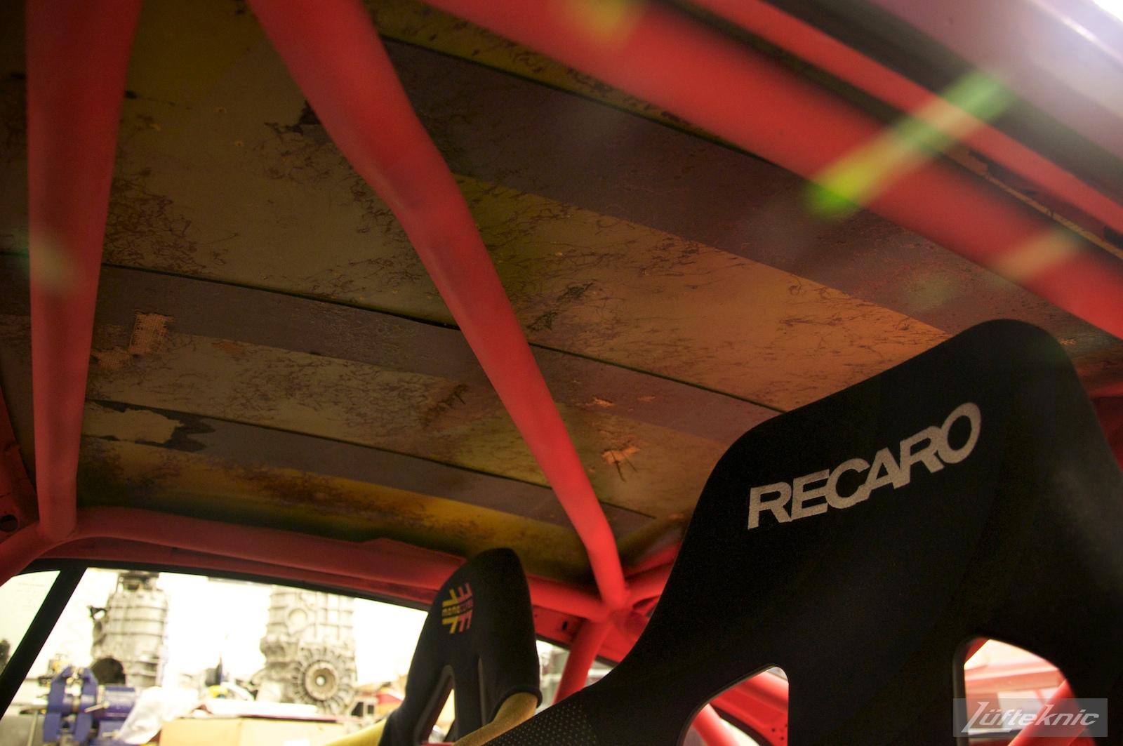 Ratty roof inside the Lüfteknic #projectstuka Porsche 930 Turbo