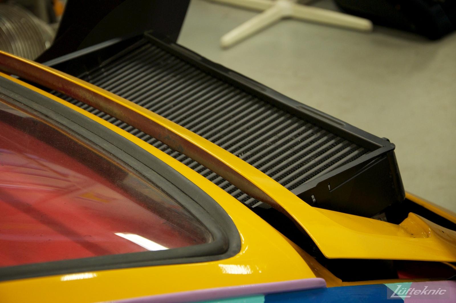 Engine intercooler peeking through the rear decklid on the Lüfteknic #projectstuka Porsche 930 Turbo