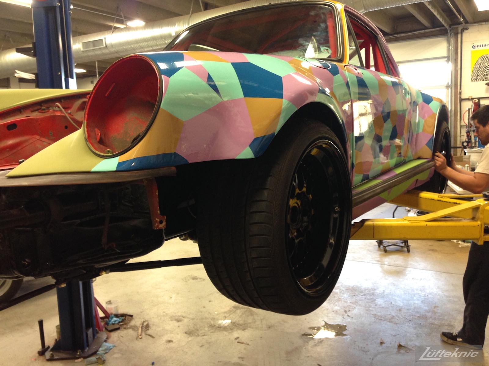 Lüfteknic #projectstuka Porsche 930 Turbo wheel fitment with tires.
