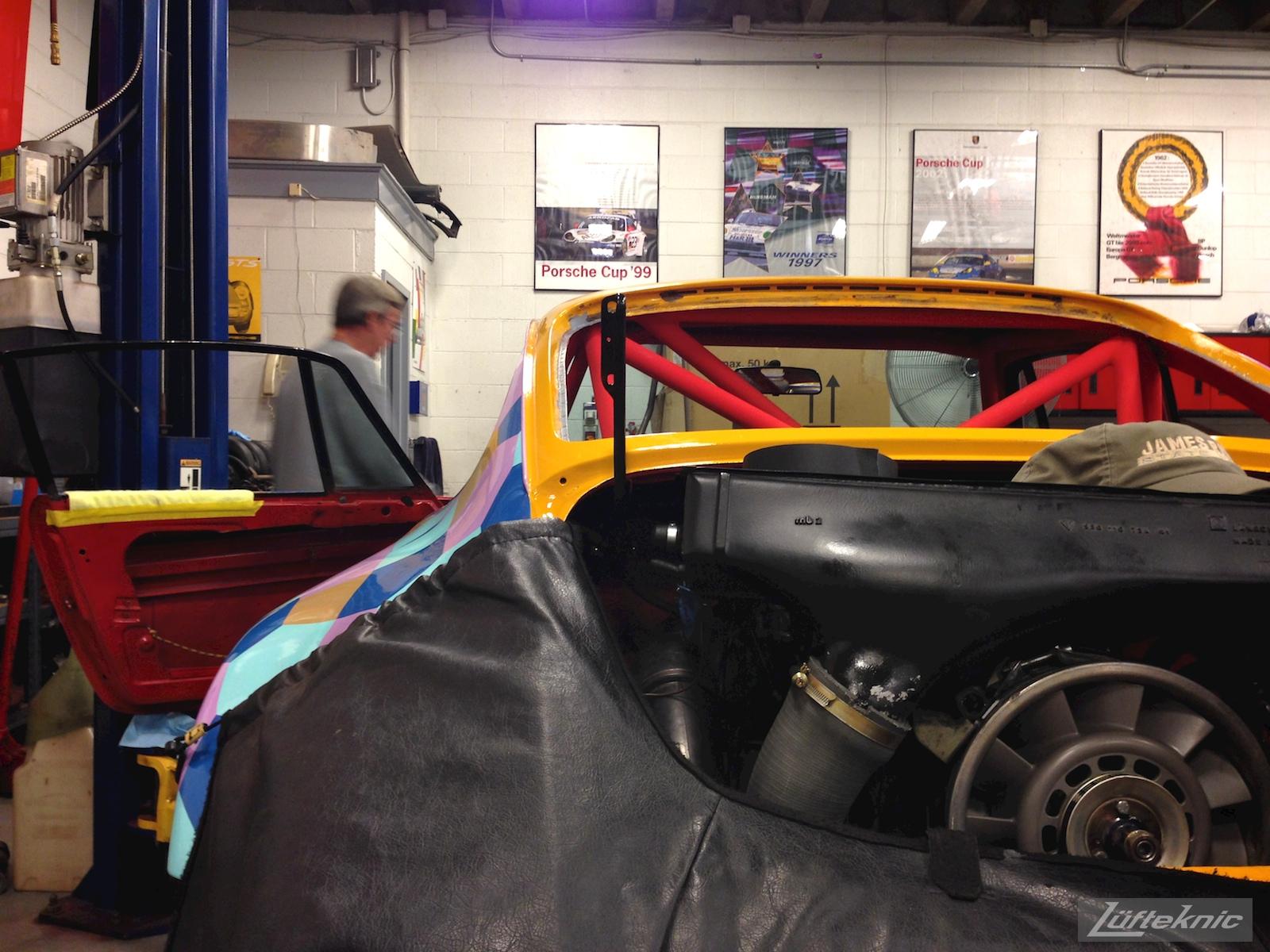 Rear engine shot of the Lüfteknic #projectstuka Porsche 930 Turbo