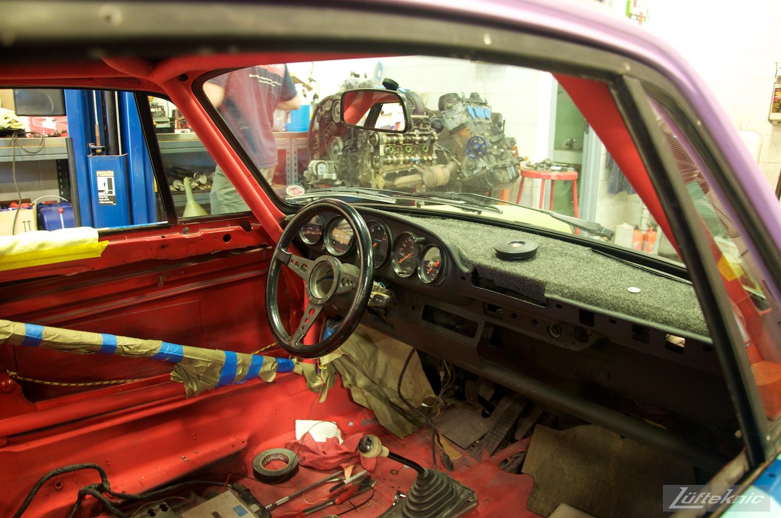 The spartan interior of the Lüfteknic #projectstuka Porsche 930 Turbo
