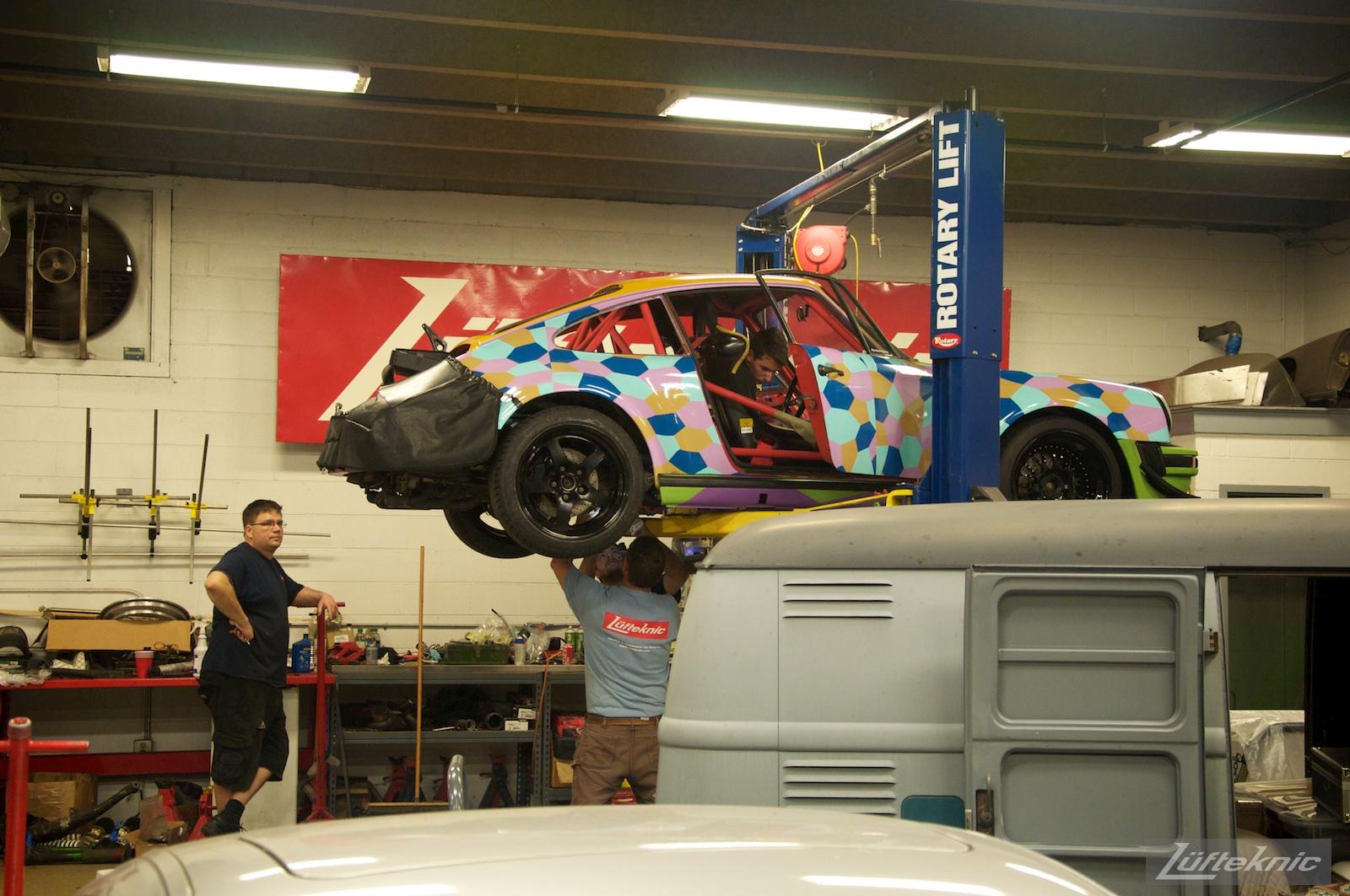 Late night rushing to finish the Lüfteknic #projectstuka Porsche 930 Turbo