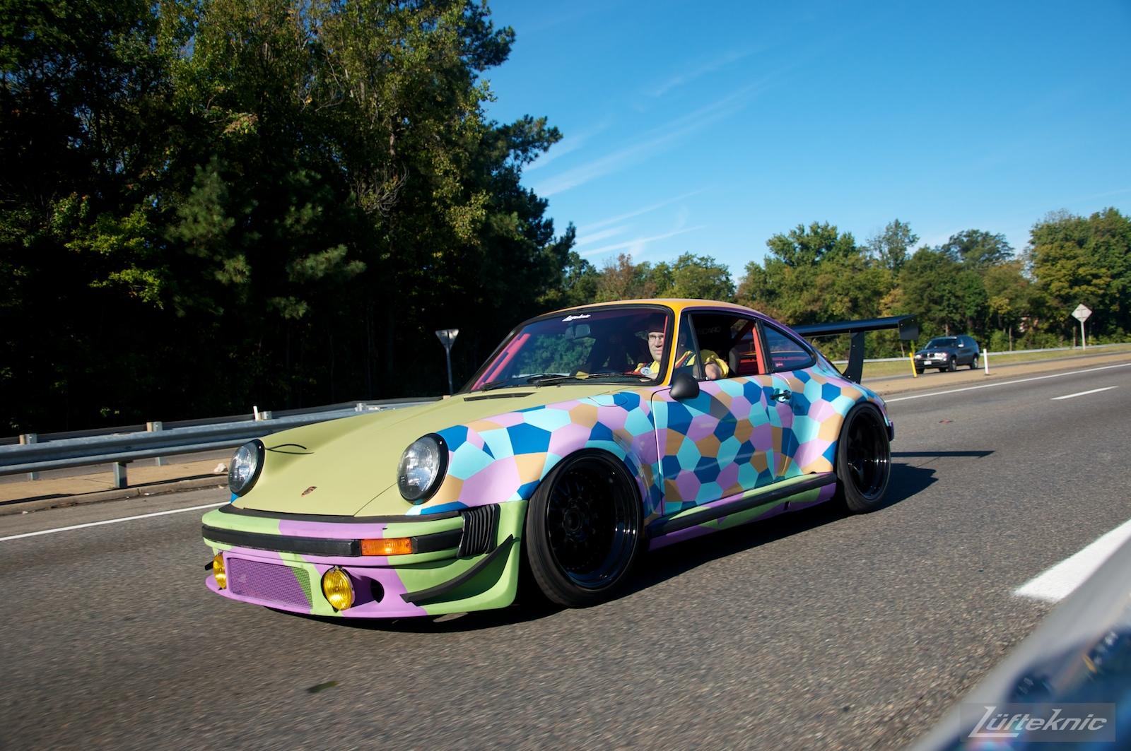 Lüfteknic #projectstuka Porsche 930 Turbo driving to h2o international car show.