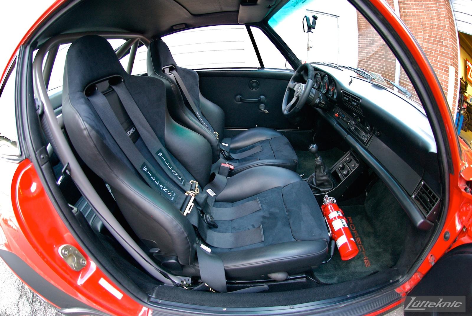 Red Porsche 930 Turbo interior