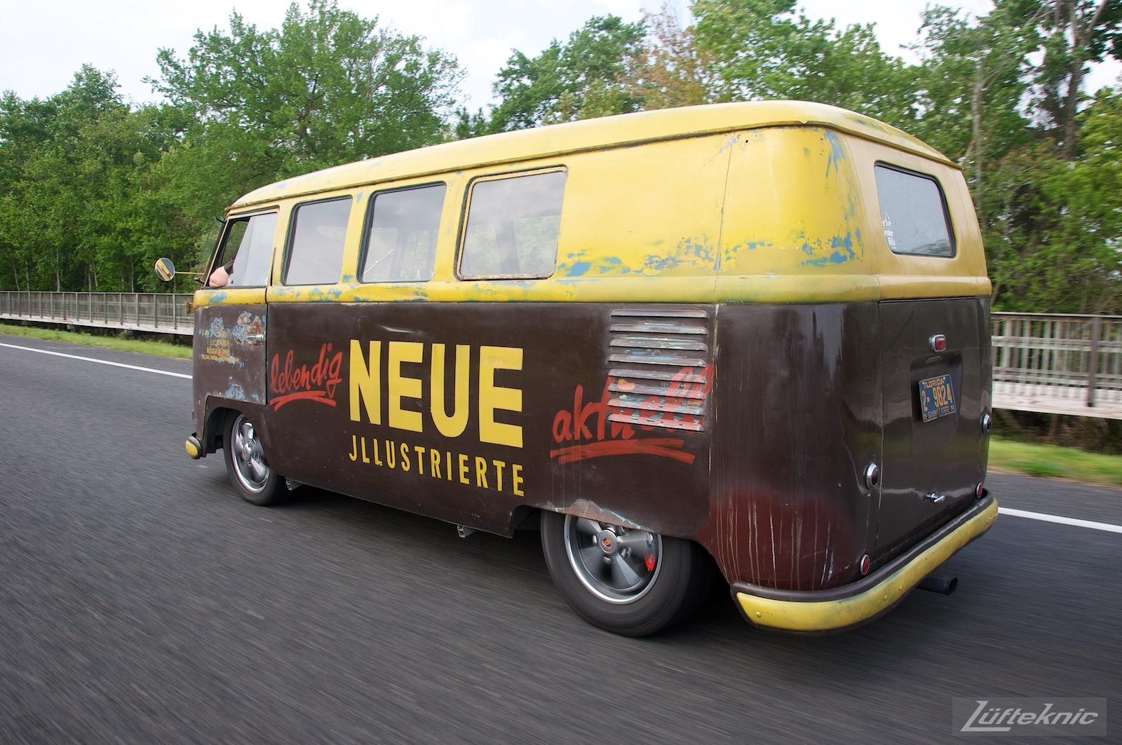 Barn door VW Transporter Neue Illustrierte